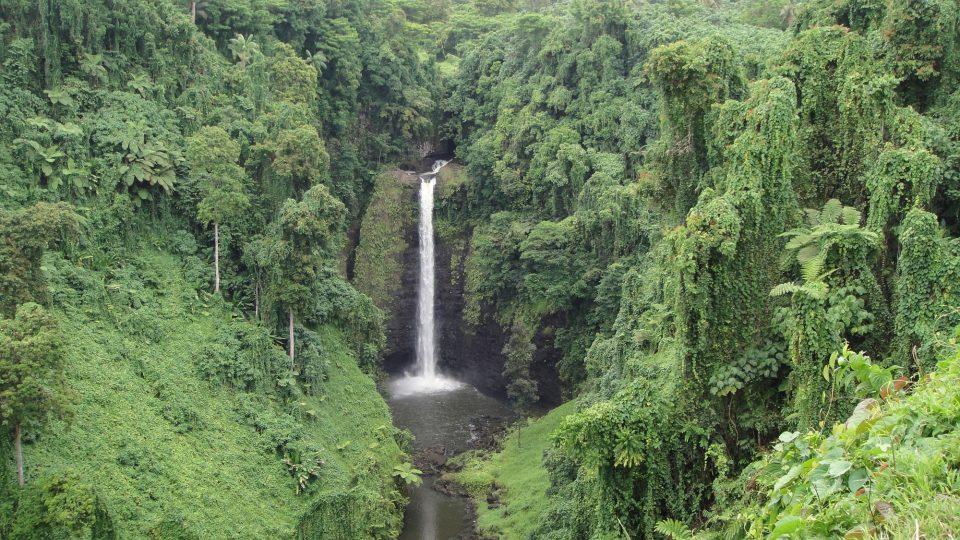 Samoa - vnitrozemí ostrova Upolu s mnoha vodopády