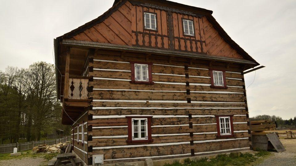 Rekonstruovaný mlýn, nyní ve skanzenu v Krňovicích