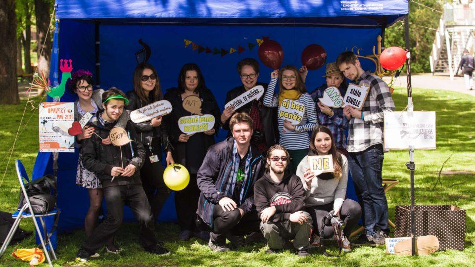 Společné foto z festivalu Opavský páv