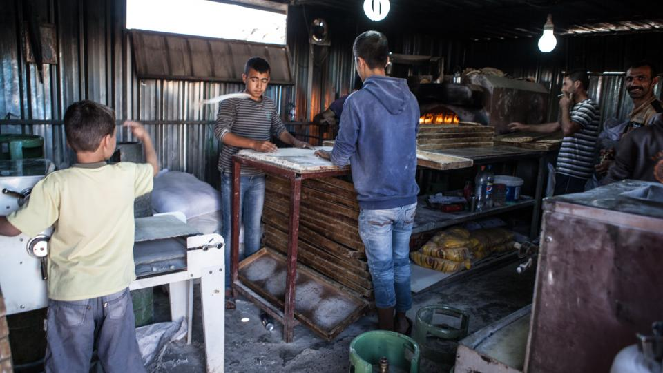 V táboře Kawrogosk žije Fuád společně s dalšími 2400 převážně syrskými rodinami