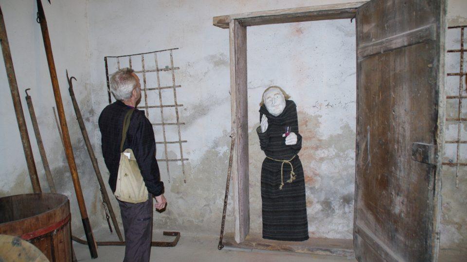 Na Hradisku mají ve sklepení dokonce i zazděného mnicha