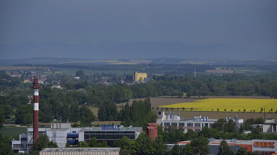 Výhled z Bílé věže na Krkonoše