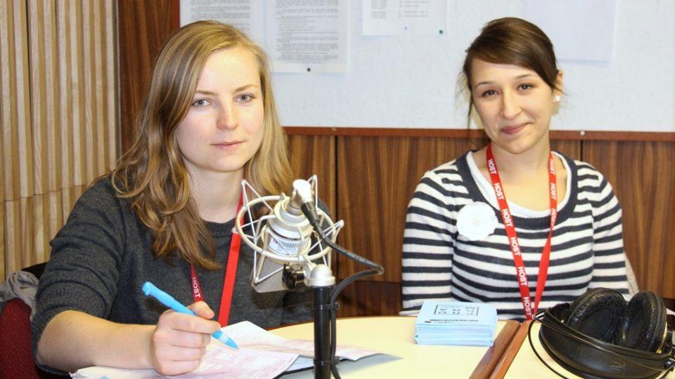 Marcela Macháčková a Monika Macháčková ve studiu Českého rozhlasu České Budějovice