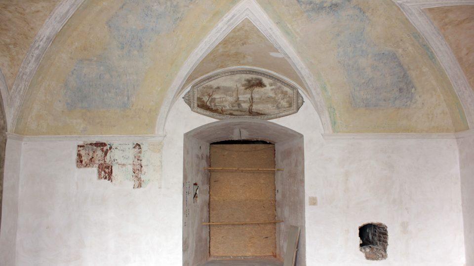 Salon, severní stěna, stav po odkryvu