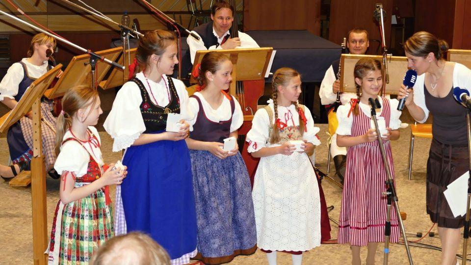 Pětice zpěváčků, které se porota také doporučila na celostátní přehlídku v Brně