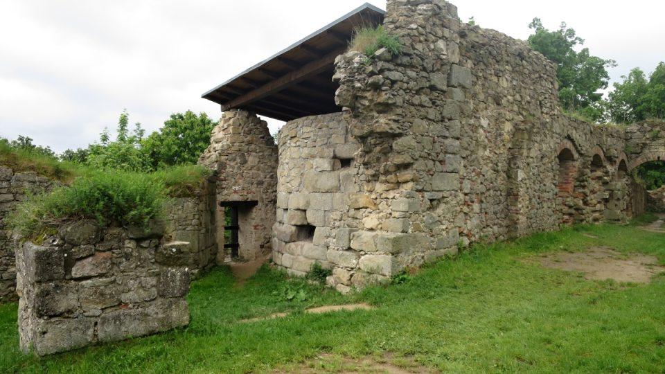 Zřícenina hradu Lukov na Zlínsku