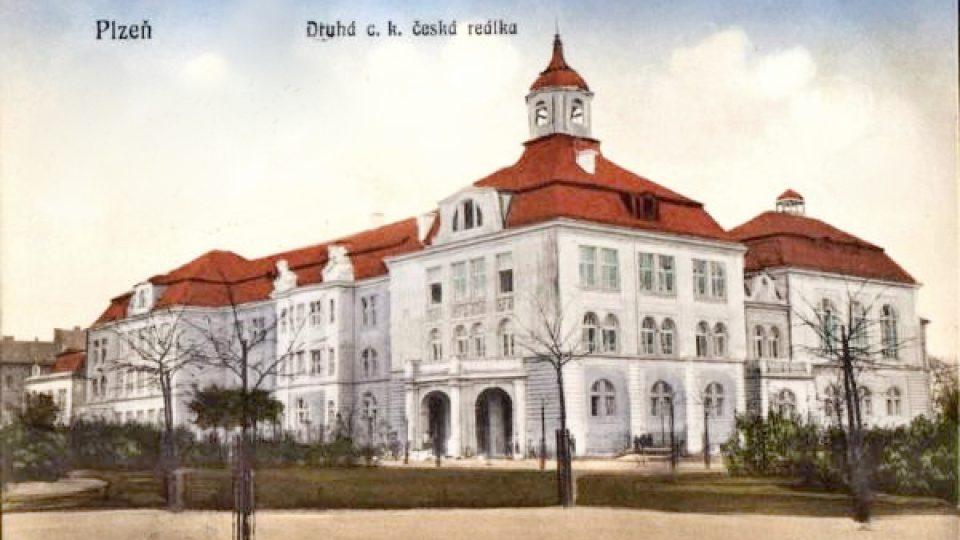 Historická pohlednice plzeňské čtvrti Slovany