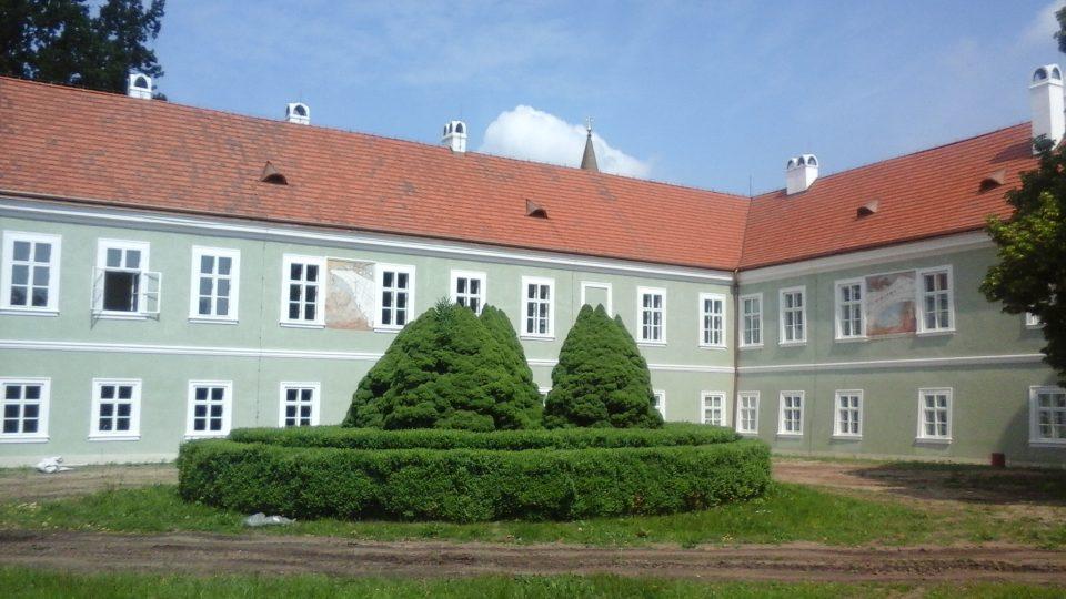 Kladrubský zámek