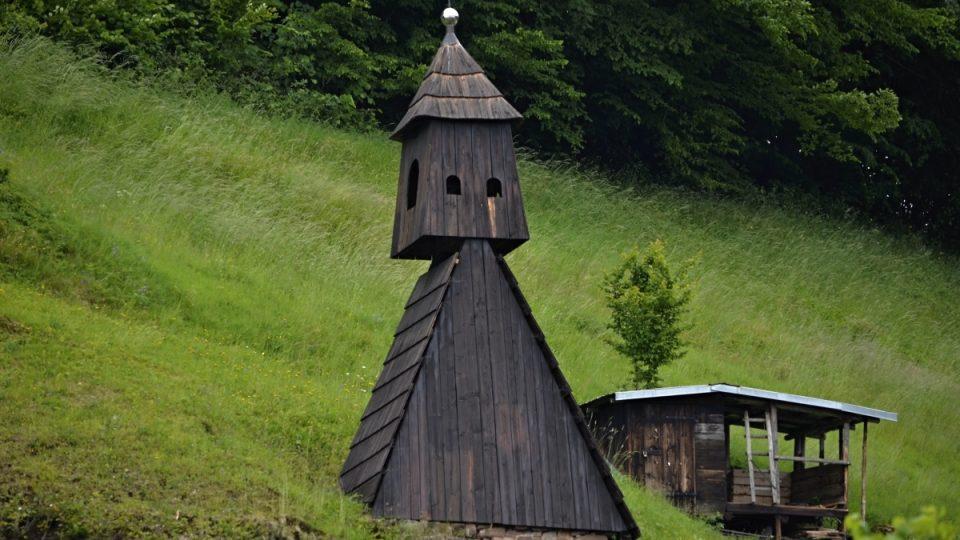 Roubená zvonice