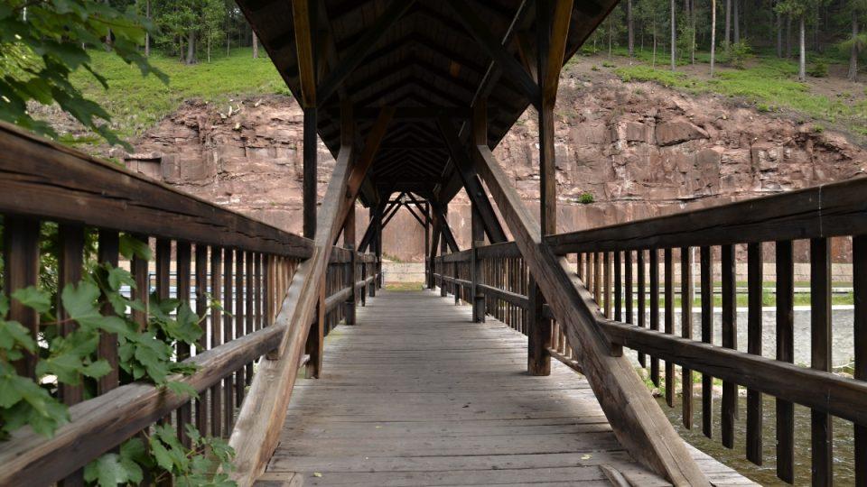 Technická památka - dolní most pro pěší