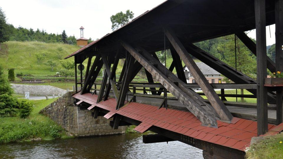 Věšadlový most