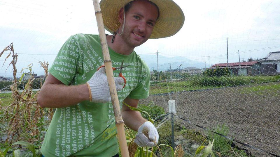 V Japonsku si Slávek Král zkusil práci na rýžových polích