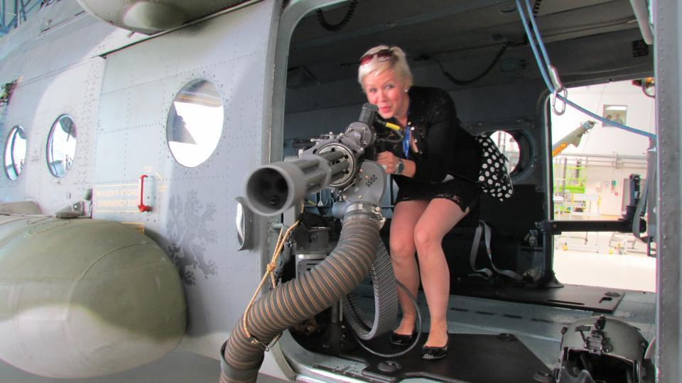 Olga Štrejbarová v helikoptéře