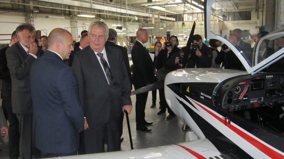 Miloš Zeman v jihlavské společnosti Jihlavan Airplanes