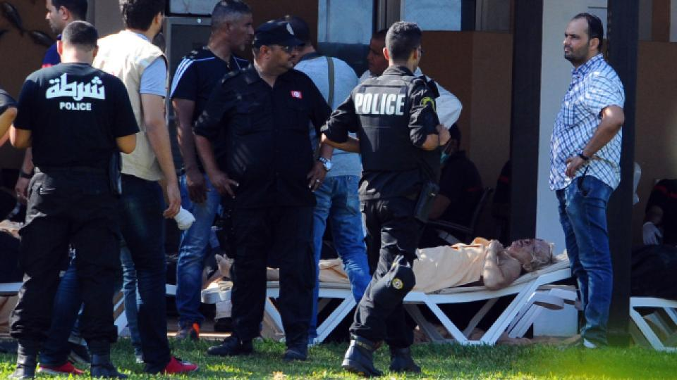 Teroristický útok nepřežilo 39 lidí. Úřady už identifikovaly první z obětí