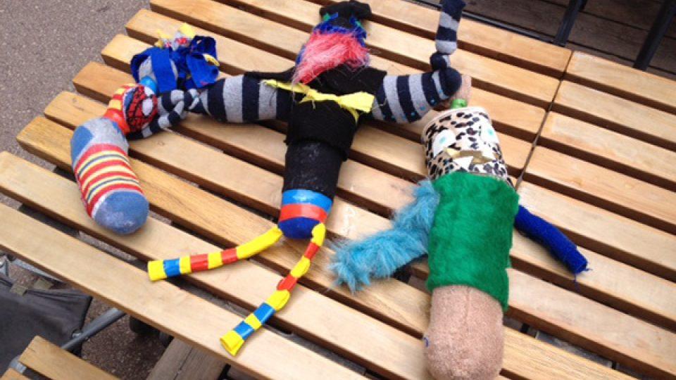 Výrobky z muzea ZOOM. Za výrobu strašidel z ponožek zaplatíte 12 eur
