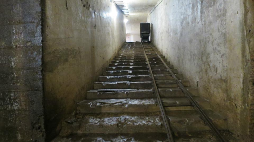 Tvrz Bouda šikmý výtah