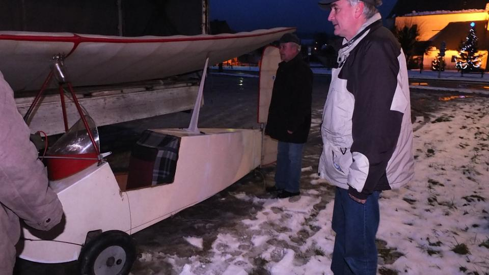 Stěhování Nebeské Blechy od Šlechtů do Leteckého muzea Deštná