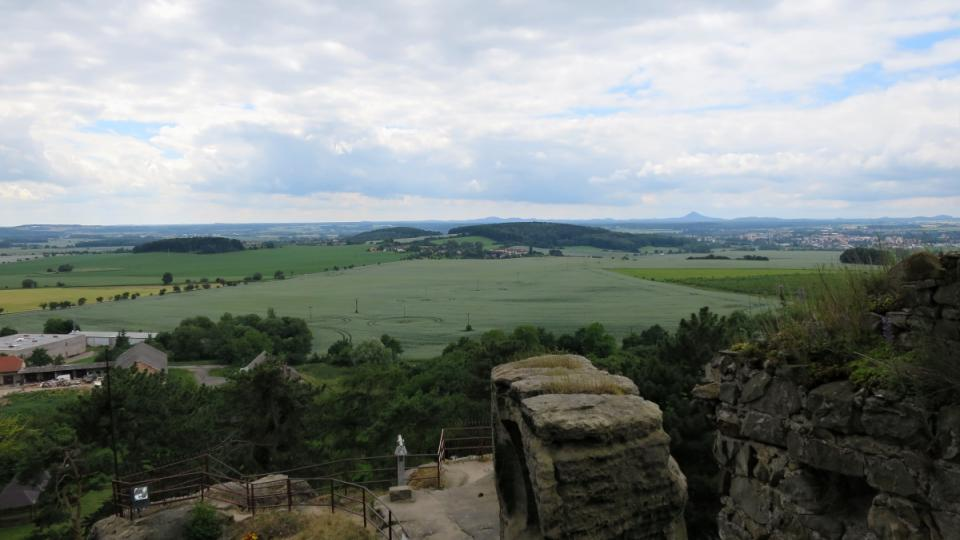 Výhled z hradu Valečov