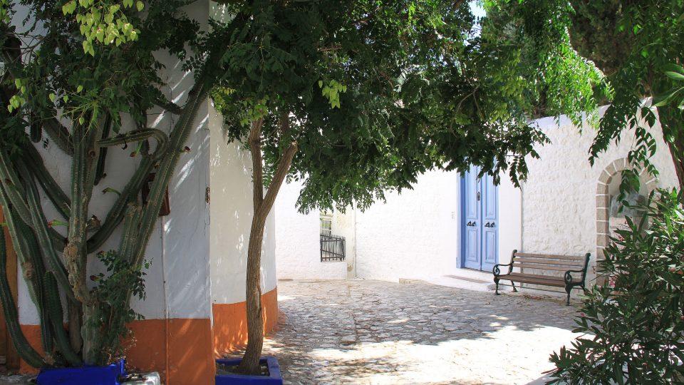 Bez takovýchhle zákoutí bychom si řecké ostrovy snad ani nedokázali představit