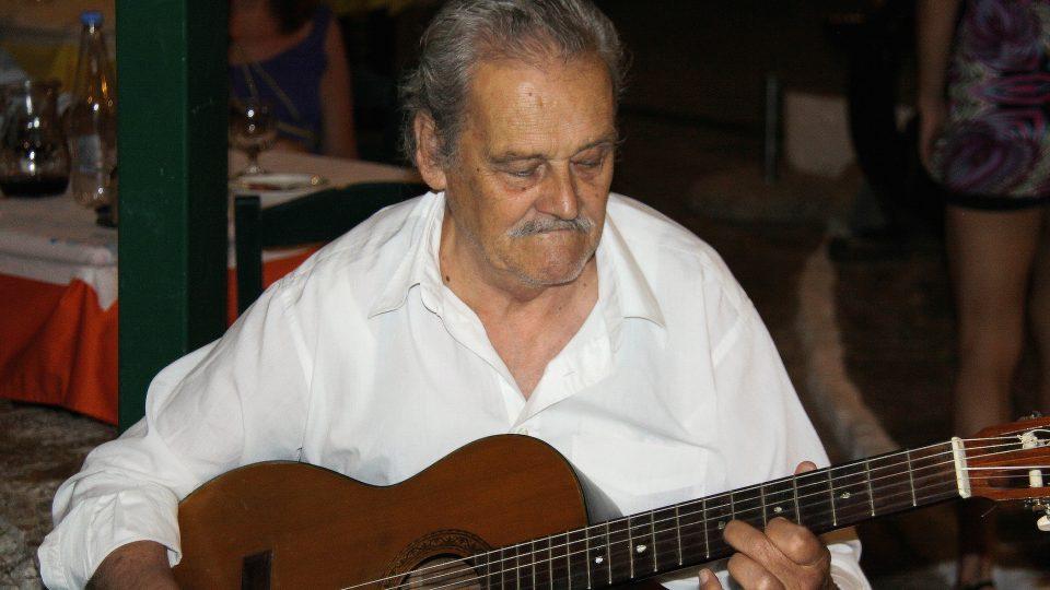 Nejradši mám romantickou hudbu, z padesátých let minulého století, svěřuje se Paoulo Iorgos
