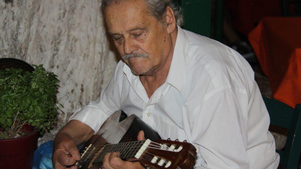 Hudba je můj život, má jasno Paoulo Iorgos