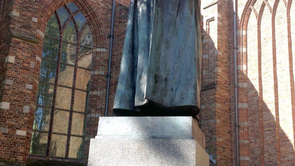 Socha Jana Amose Komenského v Naardenu. Mají tu ještě muzeum a mauzoleum