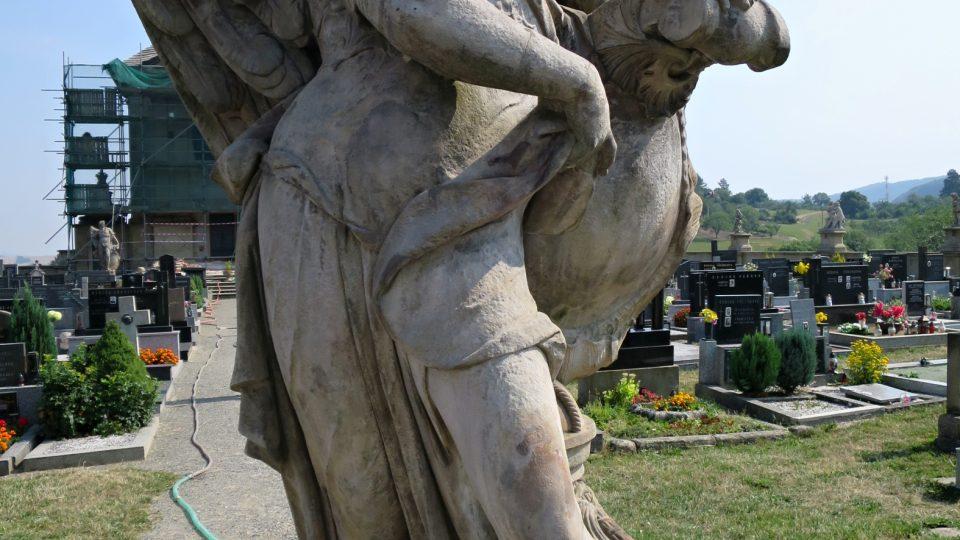 Výzdoba barokního hřbitovu Střílky