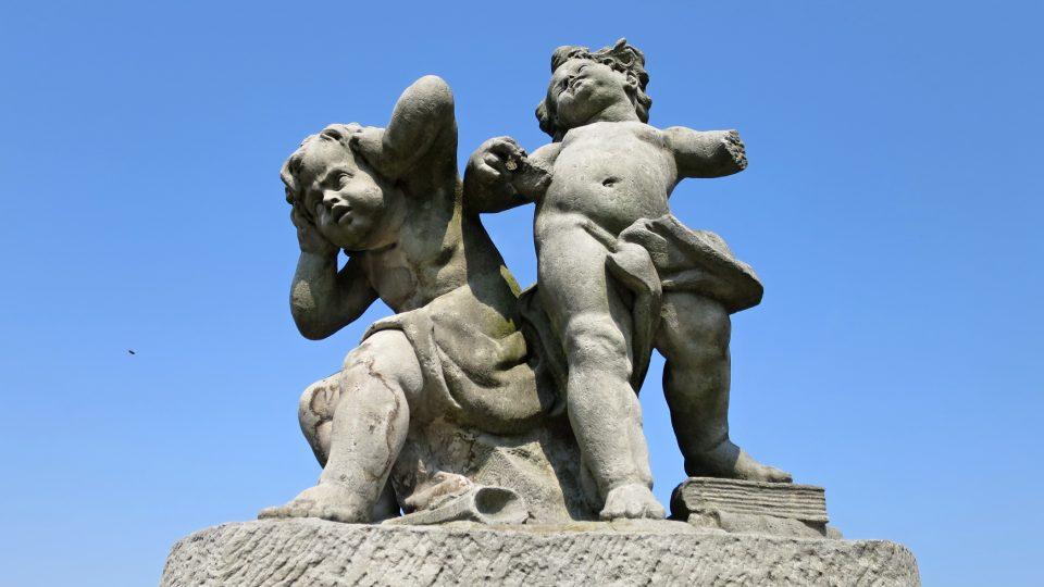 Sochy na barokním hřbitově Střílky