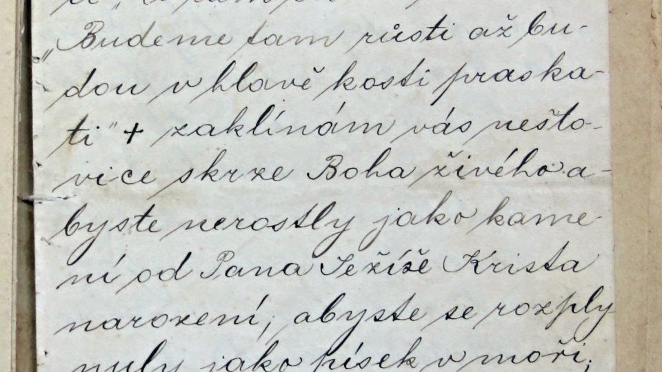 Ručně psané zaklínadlo na neštovice, nátku, růži, ourok a roupy, ručně všité v souboru náboženských písní, Plzeň, počátek 20. století