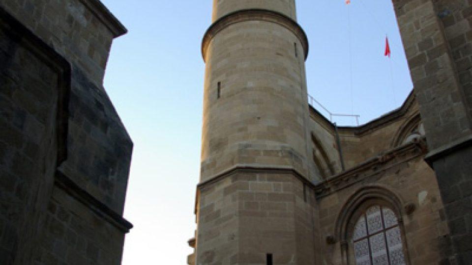 Gotika se snoubí s osmanským stylem. Na fotce mešita Selimiye