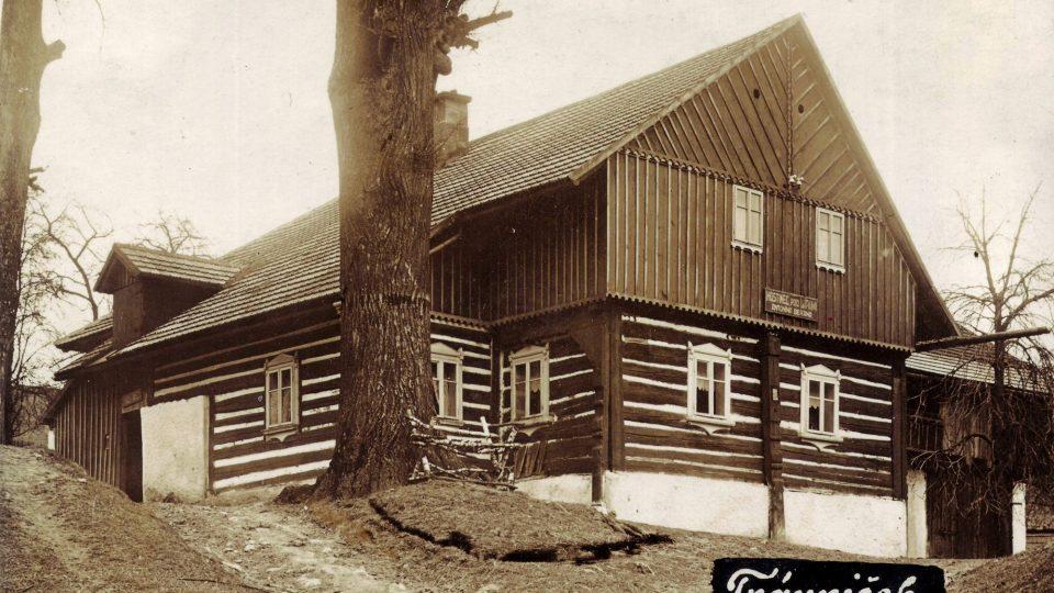 Beranův hostinec v Trávníčku - historická fotografie