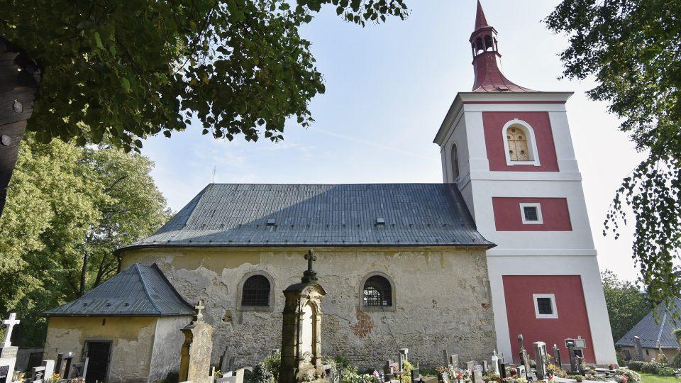 Kostel v Letařovicích, který Dubáci také opravují