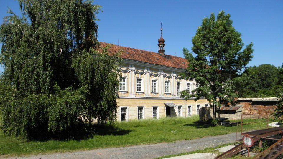Dobrčice - zámek