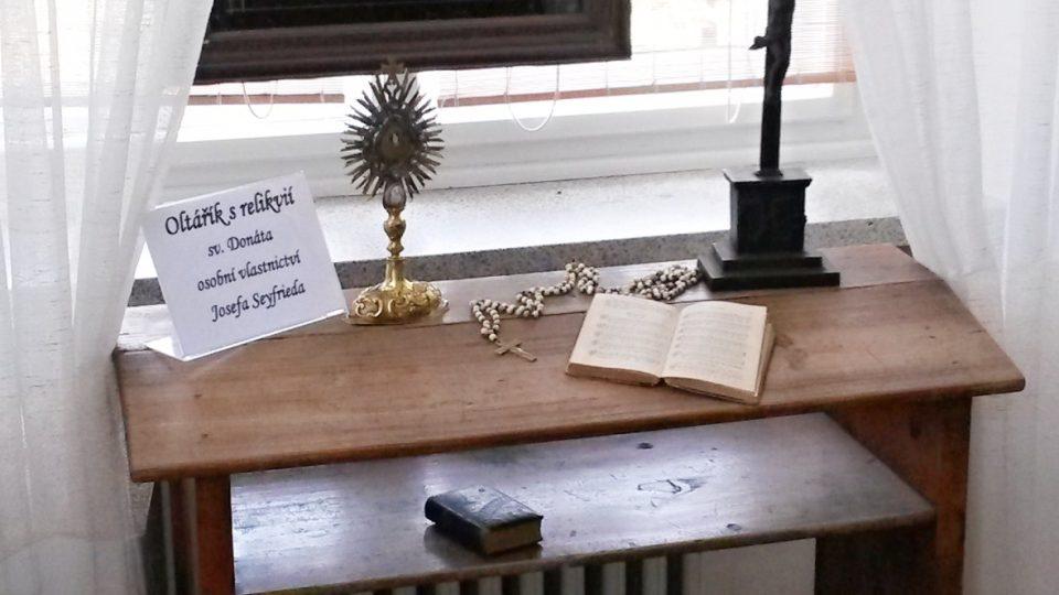 Oltářík s relikvií sv. Donáta