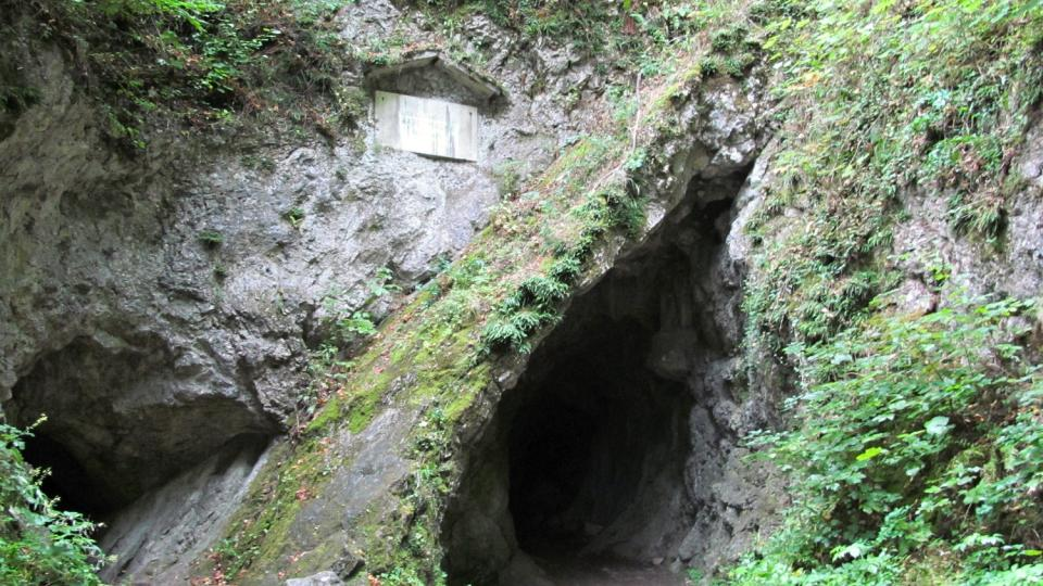 Jeskyně Šipka má dvě chodby - Jezevčí díru a Krápníkovou jeskyni
