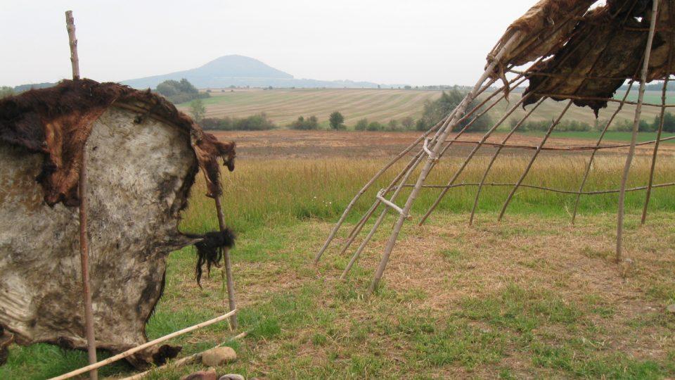 Rekonstrukce obydlí lovců mamutů