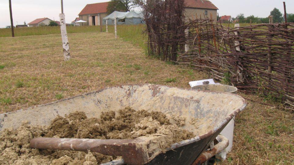 V archeoparku stále probíhají úpravy areálu