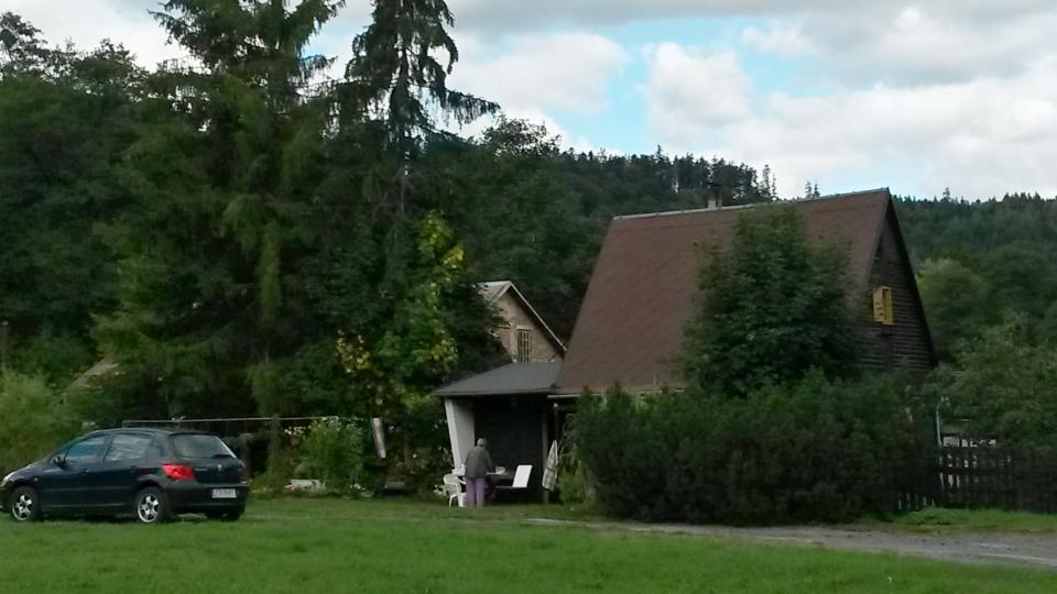 Místo, kde v Zálužném stávaly tzv. berghausy