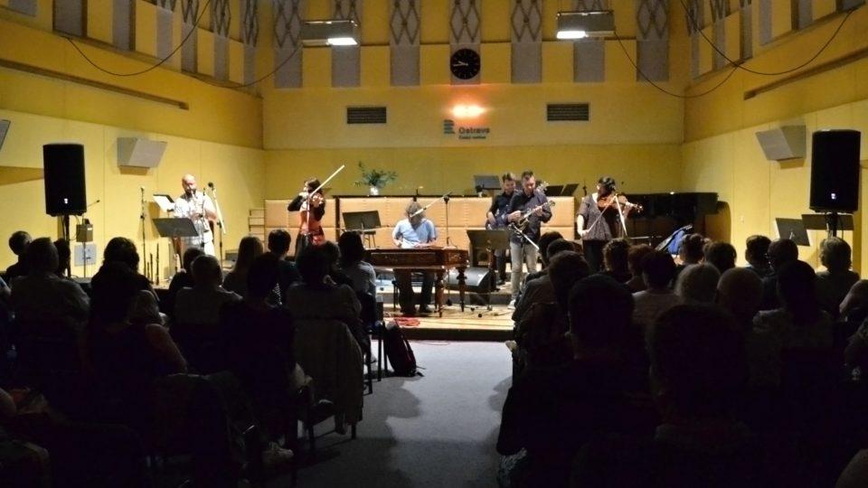 Cimbal Classic na začátku přenosu ze Studia 1