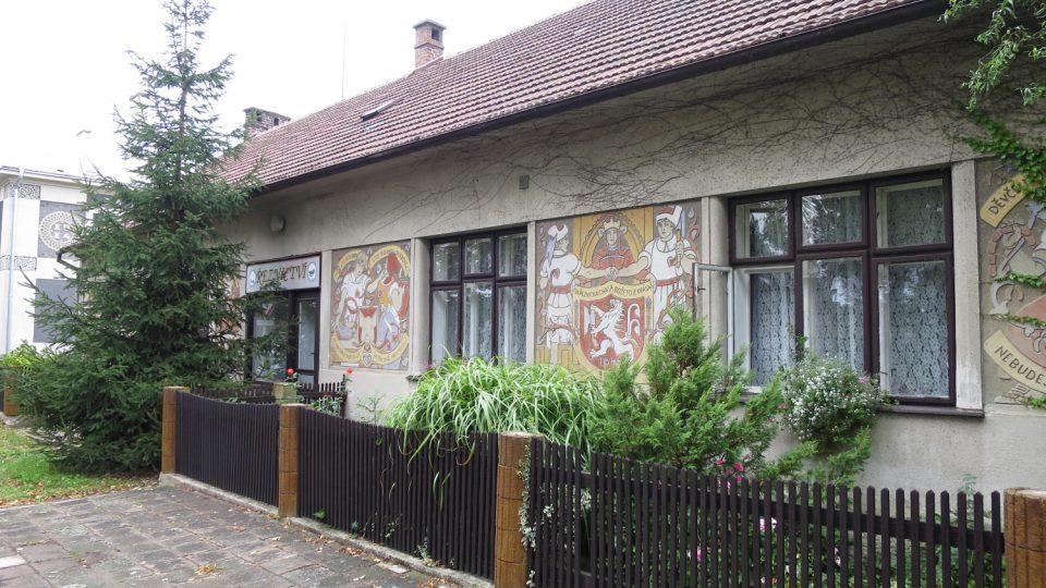 Barevné řeznictví v obci Uhersko