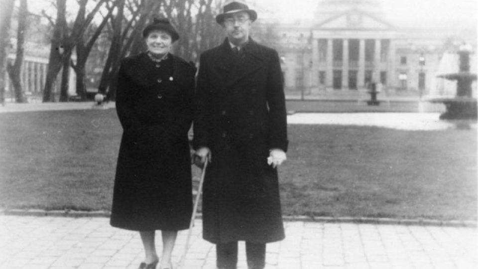 Heinrich Himmler se ženou ve Wiesbadenu v roce 1936