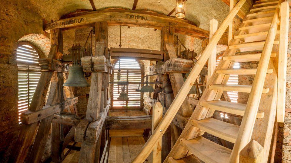 Zvonice a poslední schody do lucerny věže