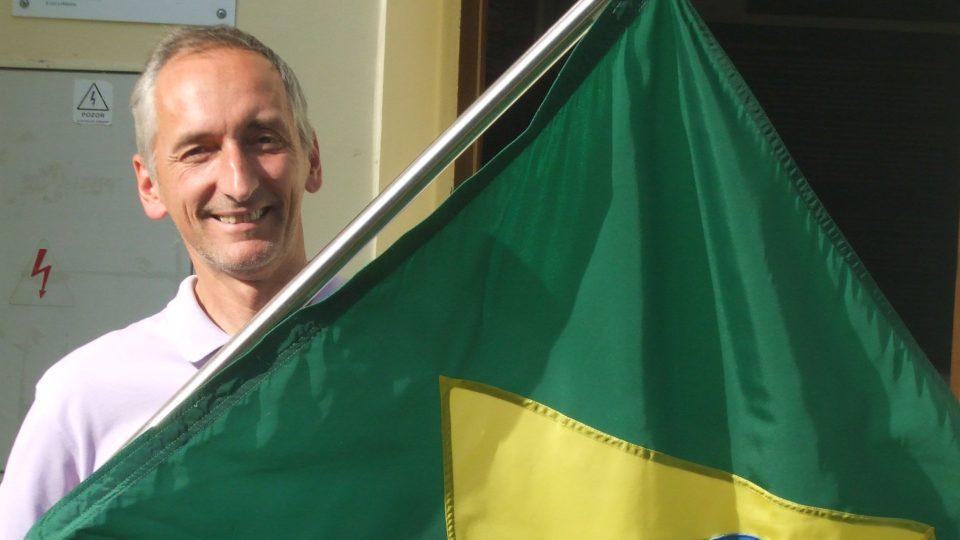 Muzeum vytěhovalectví do Brazílie, ing.Polakovič s vlajkou