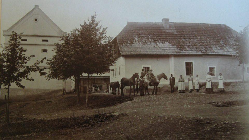 Statek Mastných v Úboči, snímek kol. roku 1910