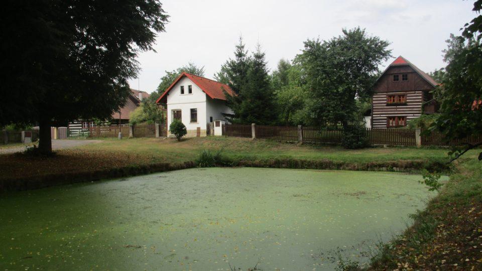 V těchto místech se natáčely filmy Jára Cimrman ležící, spící nebo Jak dostat tatínka do polepšovny