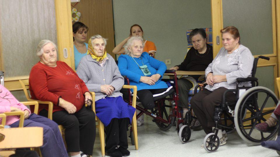 Rozhlasové čtení v Domově pro seniory v Náměšti