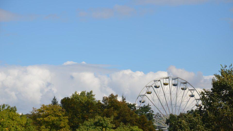Lunapark v sousedství Stromovky