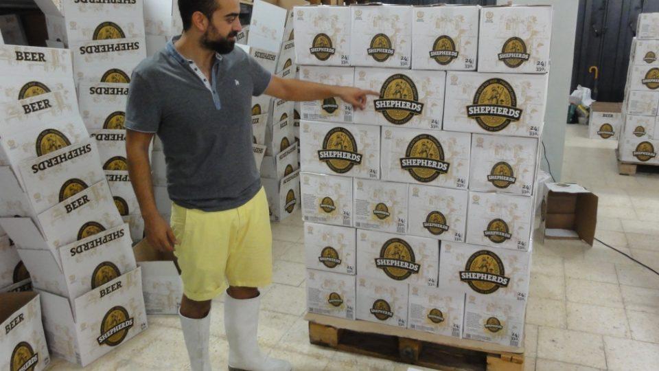 Většina produkce opouští pivovar ve třetinových lahvích