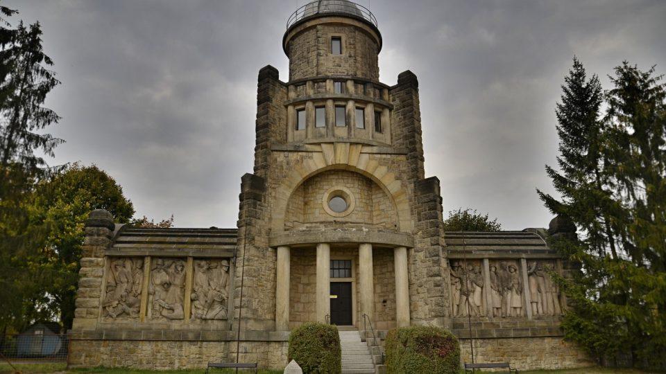 Impozantní Masarykova věž samostatnosti